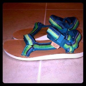 Teva Sandals Women's Size 7 Worn few times